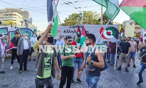 Ρεπορτάζ Newsbomb.gr: Συγκέντρωση της Νεολαίας ΣΥΡΙΖΑ στην πρεσβεία του Ισραήλ – Το μήνυμα Σκουρλέτη