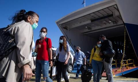 Αυξημένη η κίνηση στο λιμάνι του Πειραιά – Πάνω από 4.000 επιβάτες μέχρι το βράδυ της Παρασκευής