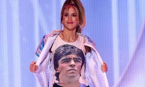 Τους «τρέλανε» όλους - Υποψήφια Miss Universe εμφανίστηκε με φανέλα Μαραντόνα!