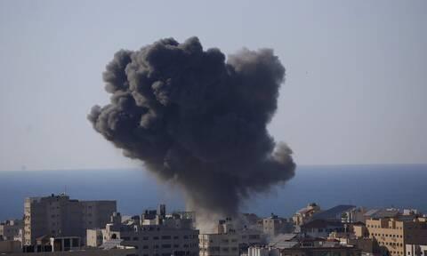 Γάζα: Βρέφος βρέθηκε ζωντανό μέσα στα ερείπια μετά από βομβαρδισμό