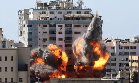 Σοκ στο πρακτορείο ειδήσεων AP μετά τον ισραηλινό βομβαρδισμό των γραφείων του στη Γάζα