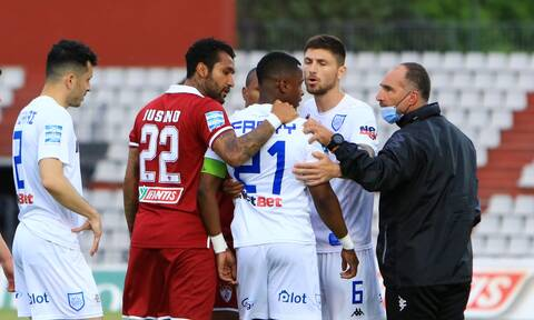 Super League: Απείλησε να φύγει από το γήπεδο ο Κάστρο – Κατήγγειλε ρατσιστική επίθεση (vid+photo)