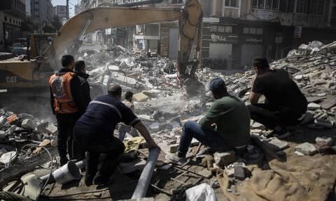 Σύγκρουση Ισραήλ- Παλαιστινίων: 33 νεκροί σε ισραηλινά πλήγματα, εκτοξεύσεις ρουκετών από τη Γάζα