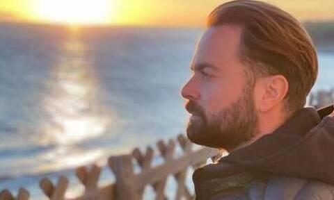 Ηλίας Βρεττός: Θύμα απάτης - Απάντησε σε αυτό το SMS και του έκλεψαν χιλιάδες ευρώ