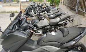 Έφοδος της αστυνομίας σε αποθήκη με κλεμμένες μοτοσικλέτες στο Μενίδι