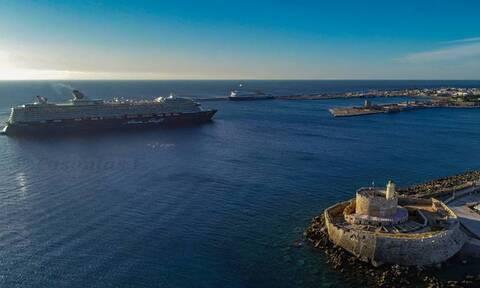 Ρόδος: Με εντυπωσιακό τρόπο ξεκίνησε η τουριστική σεζόν - Κατέπλευσε το πρώτο κρουαζιερόπλοιο