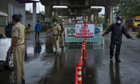Ινδία: Τουλάχιστον 4 νεκροί από καταρρακτώδεις βροχές - Πλησιάζει ο ισχυρός κυκλώνας Tauktae