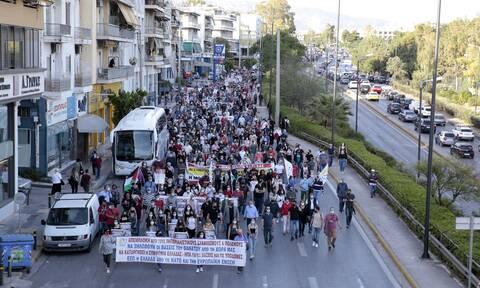 Κλειστή η Λεωφόρος Μεσογείων - Πορεία διαμαρτυρίας για τους βομβαρδισμούς στη Λωρίδα της Γάζας
