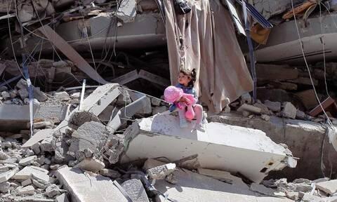 Γάζα: «Μπαμπά τι κάναμε, γιατί δεν ζούμε σαν τα άλλα παιδιά;» Mαρτυρία στο Newsbomb.gr