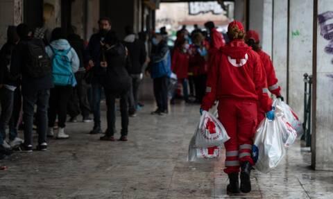 Ελληνικός Ερυθρός Σταυρός: Δράση ενεργητικής προσέγγισης αστέγων στο λιμάνι του Πειραιά