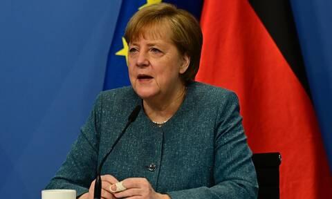 Γερμανία: «Μηδενική ανοχή» στον αντισημιτισμό ζητά από τουρκικές-μουσουλμανικές οργανώσεις η Μέρκελ