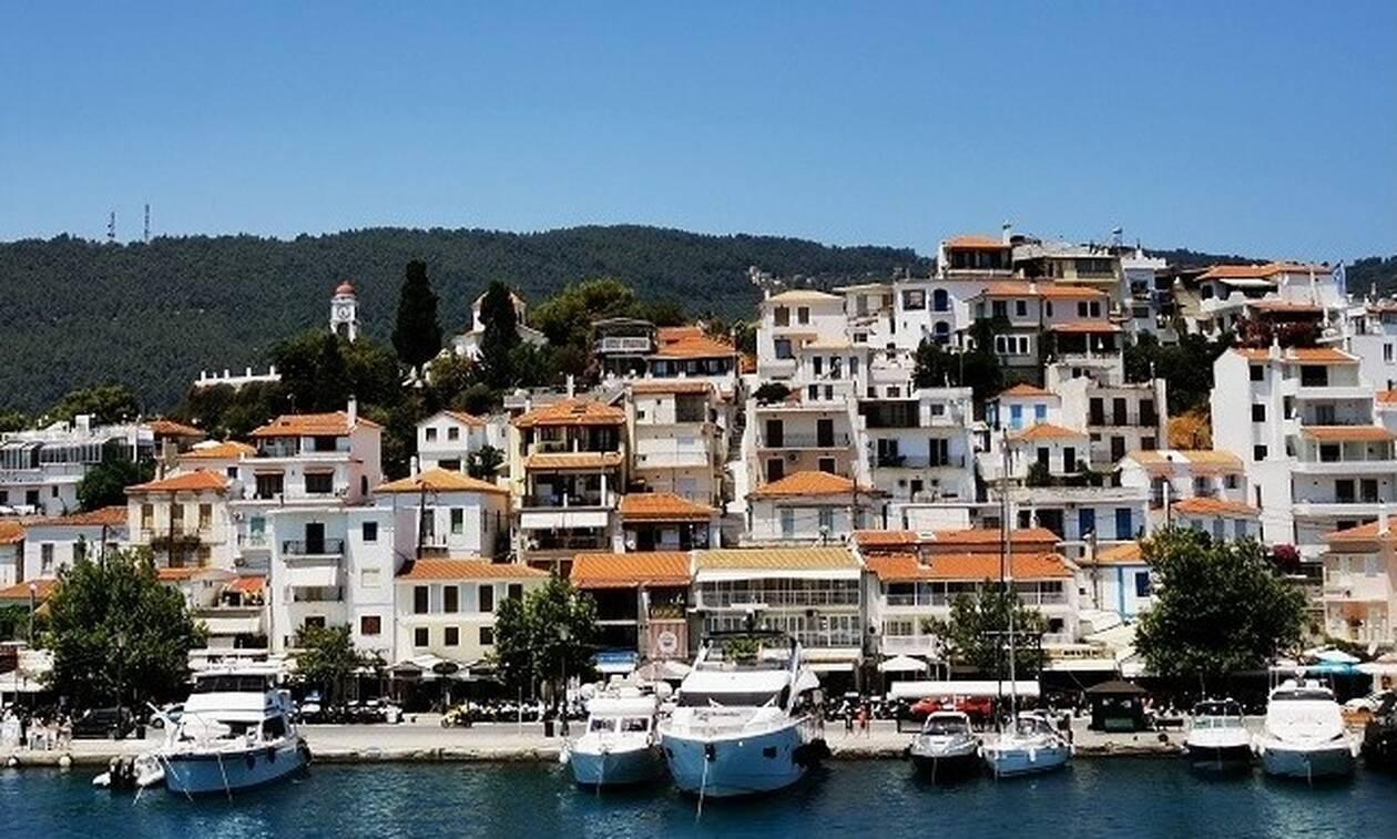 Διευκρινίσεις για τα μέτρα στήριξης για εργαζόμενους και επιχειρήσεις στον τουρισμό