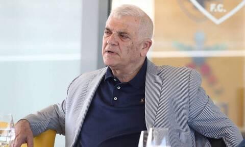 Μελισσανίδης: Απίθανη ατάκα για Ολυμπιακό - Το... παλτό του αιώνα και τα μπακ «πεπόνια»