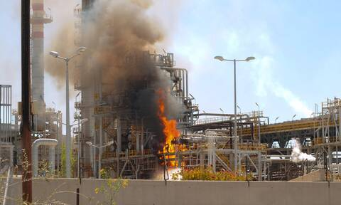 Φωτιά στις εγκαταστάσεις της Motor Oil (pics)