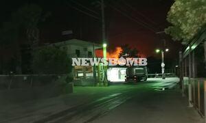 Φωτιά ΤΩΡΑ: Η πυρκαγιά στο Αλεποχώρι έχει αναζωπυρωθεί - Δείτε το live βίντεο του newsbomb.gr