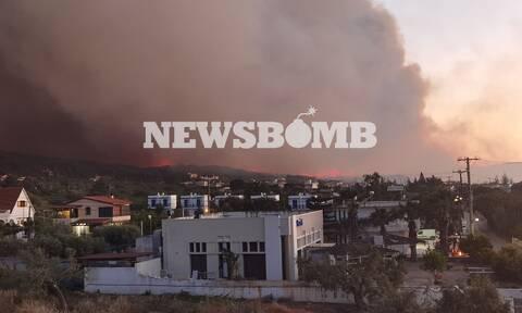 Φωτιά ΤΩΡΑ: Καίνε ακόμα οι φλογές σε Κορινθία, Αττική - Διάσπαρτα μέτωπα και αναζωπυρώσεις