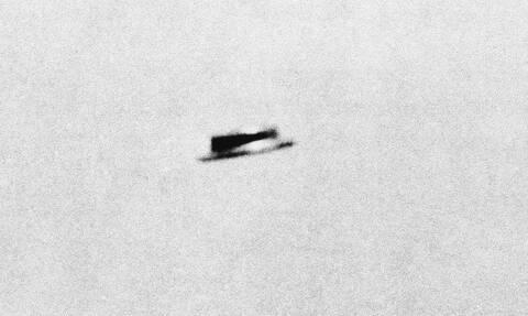 «Εξωτικό υλικό» από UFO έχει η κυβέρνηση των ΗΠΑ, λέει πρώην ερευνητής του Πενταγώνου