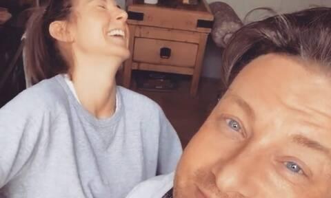 Jamie Oliver- Η σύζυγός του αποκάλυψε τι βάζει στο smoothie των παιδιών της