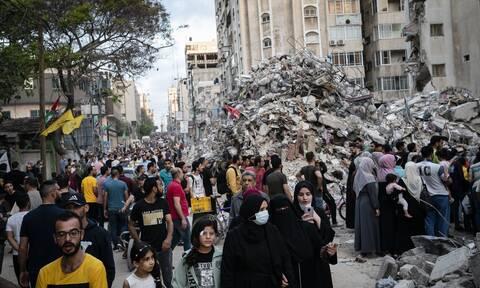 Αντέχει η εκεχειρία στην Μέση Ανατολή: Φθάνει βοήθεια στη Γάζα - Βγήκαν από τα καταφύγια στο Ισραήλ