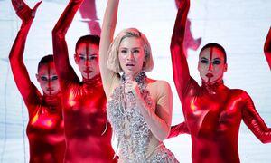 Eurovision 2021: Εντυπωσίασε η Έλενα Τσαγκρινού στην εμφάνιση του τελικού (pics+vid)