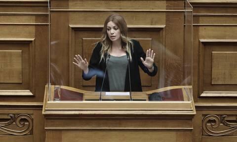 Αδαμοπούλου στο Newsbomb.gr: Το νομοσχέδιο για τα εργασιακά μετατρέπει την απασχόληση σε «γαλέρα»