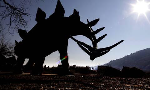 Ισπανία: Πτώμα αγνοουμένου βρέθηκε μέσα σε άγαλμα δεινοσαύρου