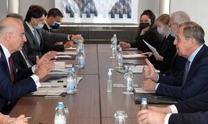 Лавров обсудил на встрече с главой МИД Греции кипрское урегулирование