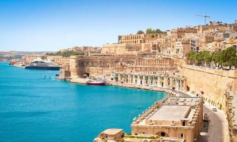 Κορονοϊός: Η Μάλτα θα έχει εμβολιάσει απόψε με μια δόση το 70% του πληθυσμού της