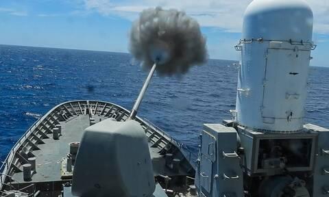 Πολεμικό Ναυτικό: Βύθισε πλοίο στο Αιγαίο! Καταιγισμός πυρών στη «ΛΟΓΧΗ» - Εντυπωσιακές εικόνες