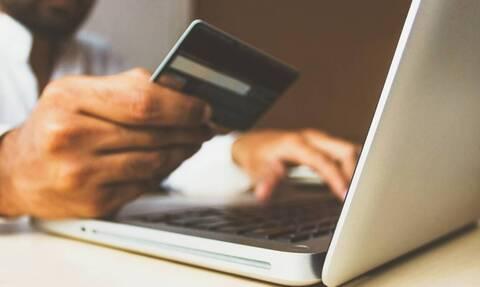 Ηλεκτρονικές αποδείξεις: Ποιοι φορολογούμενοι γλιτώνουν το «πέναλτι» και ποιοι απαλλάσσονται