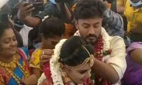 Ινδοί παντρεύτηκαν σε αεροπλάνο με 160 καλεσμένους για να αποφύγουν τους περιορισμούς του lockdown