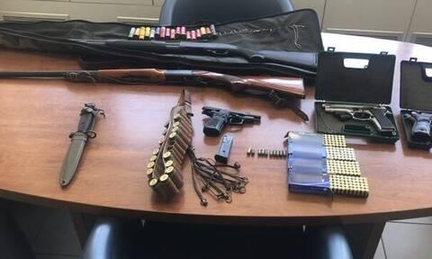 Κρήτη: Συνέλαβαν παππού, γιο και εγγονό που έκρυβαν όπλα στο σπίτι