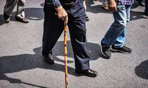«Βόμβα» στις συντάξεις: Είδαν μείωση πάνω από 5.000 συνταξιούχοι - Τι συνέβη