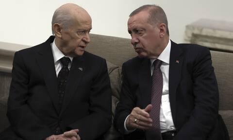 Τουρκία: Ο Ερντογάν φτιάχνει κλίμα έντασης ενόψει της επίσκεψης Τσαβούσογλου στην Αθήνα
