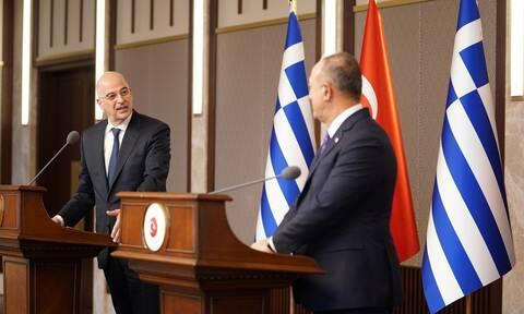 Έρχεται Αθήνα ο Τσαβούσογλου - Τα θέματα που θα συζητήσει με τον Δένδια
