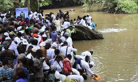 Τραγωδία στη Νιγηρία: Πάνω από 150 άνθρωποι πιστεύεται ότι πνίγηκαν μετά τη βύθιση πλοιαρίου