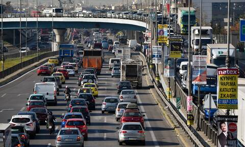 Κίνηση ΤΩΡΑ: Μποτιλιάρισμα χιλιομέτρων στον Κηφισό λόγω τροχαίου