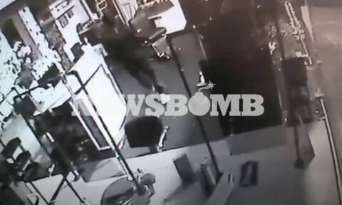 Βίντεο-ντοκουμέντο Newsbomb.gr: Έτσι δρούσε η συμμορία που «χτυπούσε» μαγαζιά σε Γλυφάδα και Άλιμο