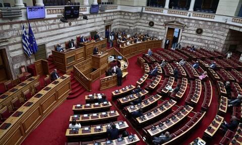 Σε τροχιά πλήρους ανοσίας η Βουλή - 200 βουλευτές έχουν εμβολιαστεί