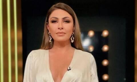Έλενα Παπαρίζου: «Στενοχωρήθηκα» τόσο μετά τα σχόλια για τα κιλά μου που έφαγα ένα μπέργκερ!