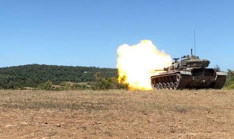 Στρατός Ξηράς- Η ισχύς πυρός που «θωρακίζει» τα νησιά: Εικόνες από ασκήσεις μονάδων της ΑΣΔΕΝ