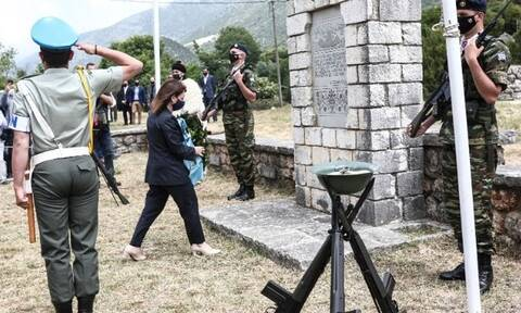 Σακελλαροπούλου: «Παντοτινή έμπνευση η θυσία των Σουλιωτών»