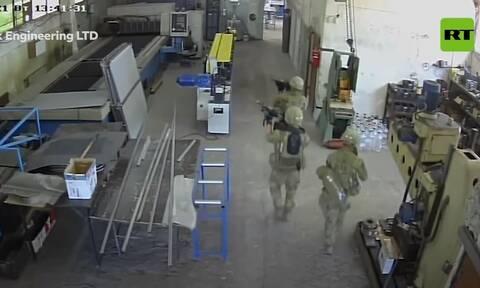 Βουλγαρία: Απίστευτη γκάφα του αμερικανικού στρατού - Μπούκαραν οπλισμένοι σε... εργοστάσιο