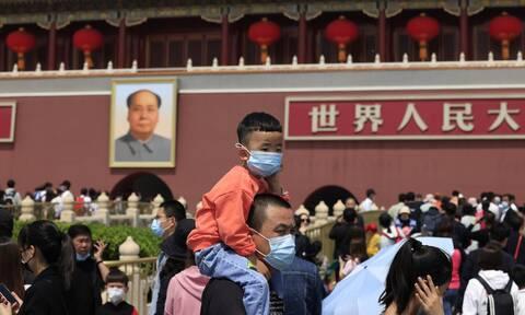 Κίνα: Κάθε ζευγάρι μέχρι τρία παιδιά - Η απάντηση του Πεκίνου στην υπογεννητικότητα