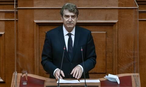 Η εγκληματικότητα στην Ελλάδα «σαρώνει» και ο Χρυσοχοΐδης παραμένει θεατής