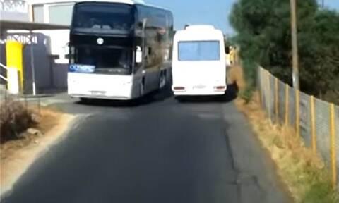Βίντεο-ντοκουμέντο: Πούλμαν στην Κρήτη κάνουν ελιγμούς του τρόμου