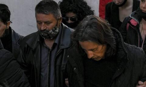 Φονικό Μακρινίτσα: «Θέλουμε να μεγαλώσουμε το εγγόνι μας», λέει ο πατέρας των θυμάτων