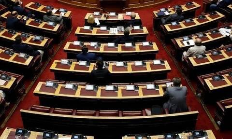 Στη Βουλή προς ψήφιση το νομοσχέδιο των αυτοδιοικητικών εκλογών - Με εντάσεις η συζήτηση