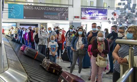 Χατζηχριστοδούλου στο Newsbomb.gr: Ο τουρισμός δεν ανοίγει ανεξέλεγκτα - Πότε θα βγάλουμε τη μάσκα;