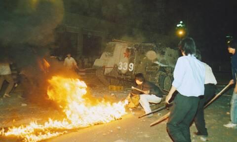 Επέτειος της εξέγερσης στην πλατεία Τιενανμέν: Φόρος τιμής από τις ΗΠΑ, εντάσεις στο Χονγκ Κονγκ